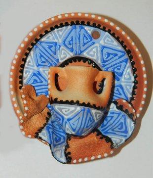 """Сувенирная глиняная тарелочка ручной работы """"Кувшинчик"""" черная"""