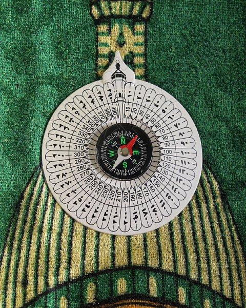 Молитвенный коврик дорожный с компасом в сумке зеленой