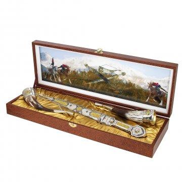 Кубачинский подарочный набор в футляре (серебряный кинжал, 2 бычьих рога)