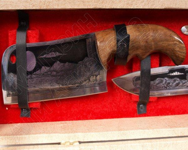 Кизлярский шашлычный набор в подарочном кейсе (бежевый)