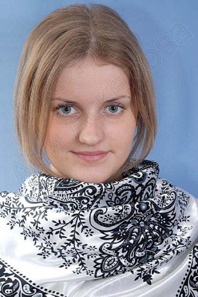 """Платок женский шелковый """"Восточная красавица"""" белый"""