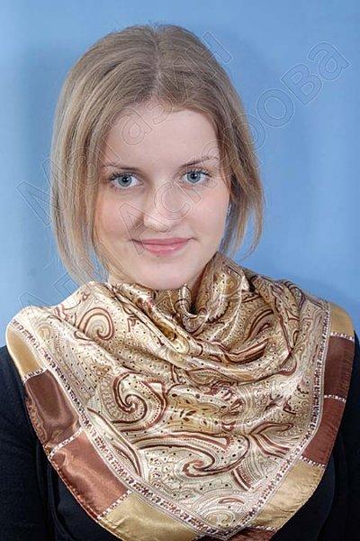 """Платок женский шелковый """"Воздушные узоры"""" песочный"""