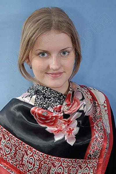 """Платок женский шелковый """"Красивый букет"""" красный"""