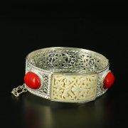 Кубачинский серебряный браслет с филигранью (камень - агат) арт.10730