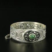 Кубачинский серебряный браслет с филигранью (камень - кошачий глаз) арт.10732