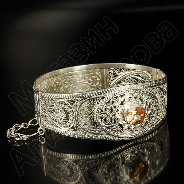 Кубачинский серебряный браслет с филигранью (камень - кварц)
