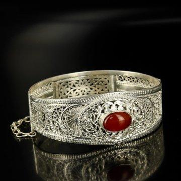 Кубачинский серебряный браслет с филигранью