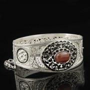 Кубачинский серебряный браслет с филигранью (камень - агат) арт.8120
