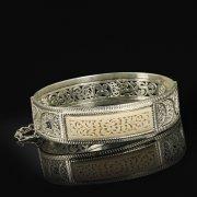 Кубачинский серебряный браслет с филигранью (слоновая кость) арт.9489