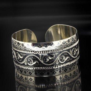 Серебряный кубачинский браслет с алмазной гранью