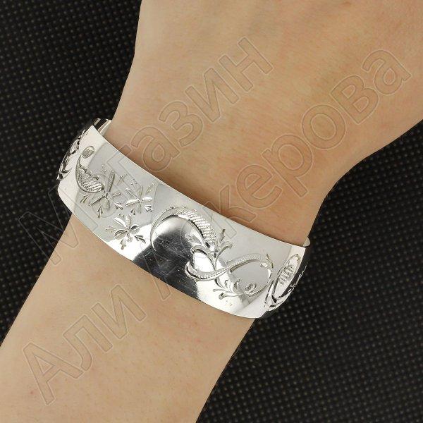 Серебряный кубачинский браслет белый