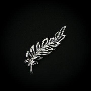 Серебряная брошь Веточка