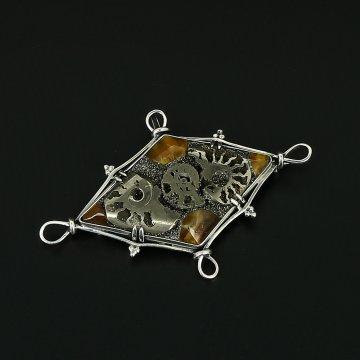 Серебряная брошь Морской берег авторская работа (симбирцит, жеода аммонита)