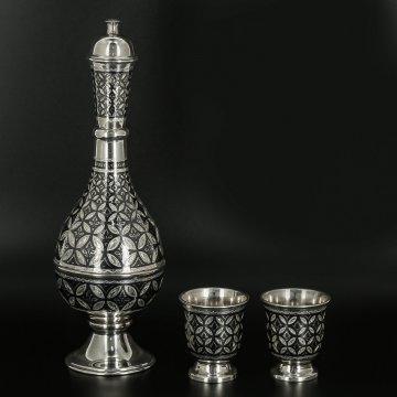Серебряный графин со стопками Кубачи ручной работы (2 персоны)