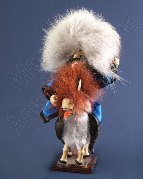 """Сувенирная подарочная кукла-композиция на деревянной подставке """"Гонец"""""""
