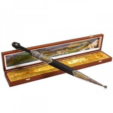 Кавказский кинжал с цельной рукоятью (дамасская сталь, родовое клеймо)