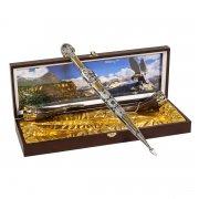 Кубачинский подарочный набор в футляре (кинжал с позолоченными вставками и 2 бычьих рога)