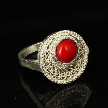 Кубачинское серебряное кольцо с филигранью ручной работы (камень - яшма)