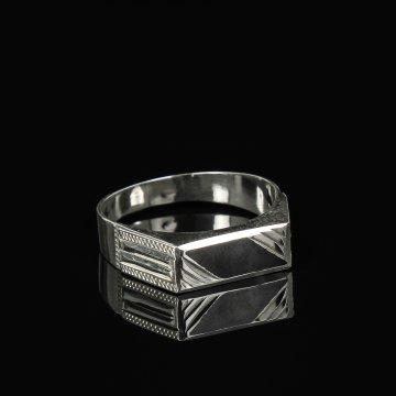 Кубачинское серебряное кольцо-печатка с чернением ручной работы