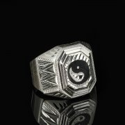 Кубачинское серебряное кольцо-печатка с чернением ручной работы арт.8609