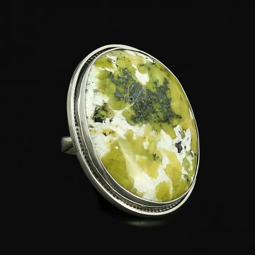 Серебряное кольцо (лизардит)