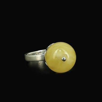 Серебряное кольцо (янтарь)