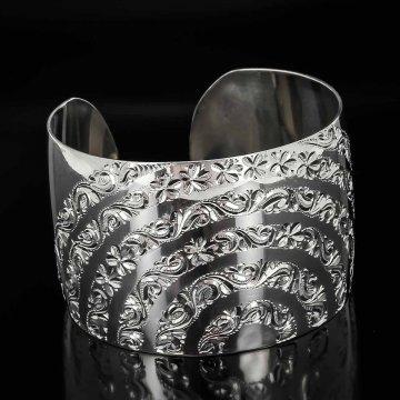 Серебряный кубачинский браслет белый №1