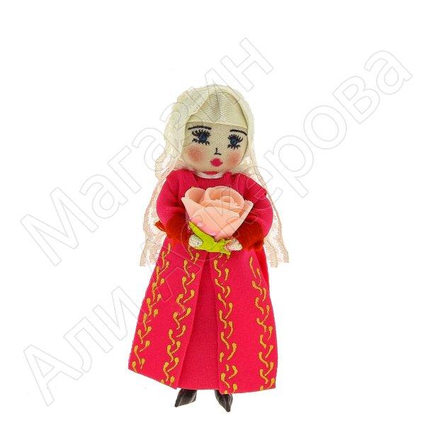 Текстильная кукла-магнит ручной работы