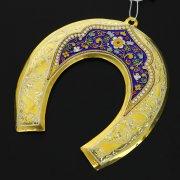 Кубачинская серебряная подкова с эмалью ручной работы большая (футляр в подарок) арт.6599