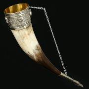 Кавказский рог бычий (отделка - мельхиор и камни - медальоны) арт.10844