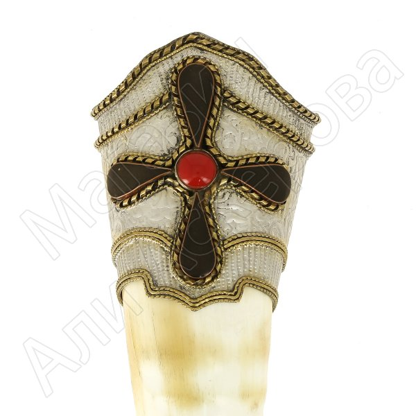 Кавказский рог бычий на подставке (дерево) рифленый (отделка - мельхиор, латунь и камни - медальоны)