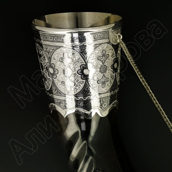Элитный серебряный рог турий Кубачи с пиалой в подарочном футляре из бархата