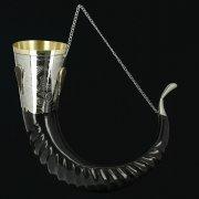 Элитный рог кавказского тура с медальонами-камнями (отделка - мельхиор) арт.10505