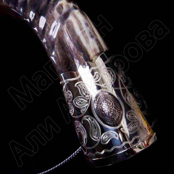 Элитный рог кавказского тура с пиалой и медальонами (мельхиоровый)