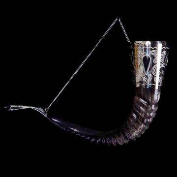 Элитный рог кавказского тура с пиалой (отделка - мельхиор, камни - медальоны)