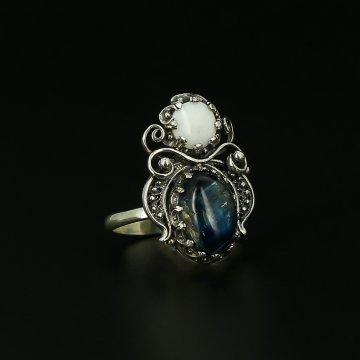 Серебряное кольцо (кианит, перламутр)