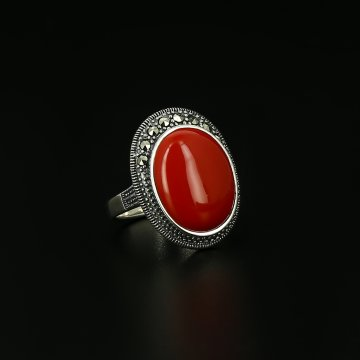 Серебряное кольцо (коралл, марказит)