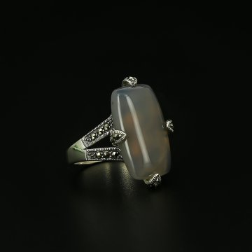 Серебряное кольцо (агат, марказит)