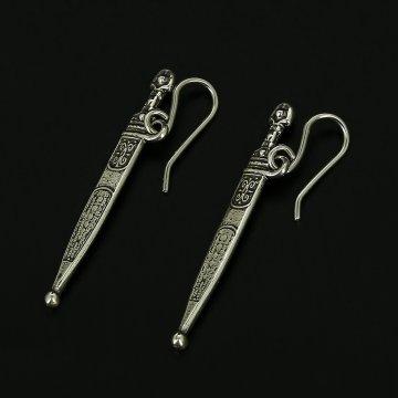 Серебряные серьги Кинжал