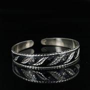 Серебряный кубачинский браслет с черенением арт.11077