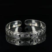 Серебряный кубачинский браслет с гравировкой арт.11127