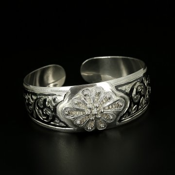 Серебряный браслет с чернением