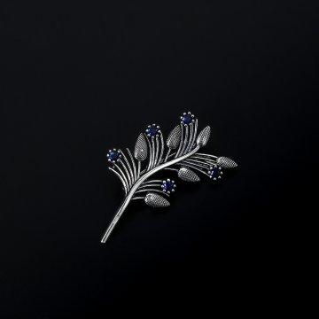 Серебряная брошь Веточка (фианит)