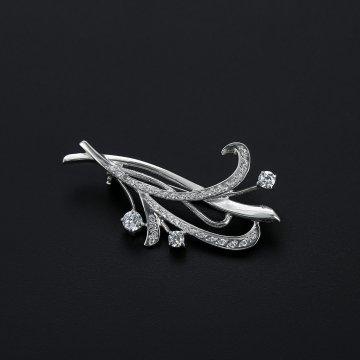 Серебряная брошь Цветок (камень фианит)