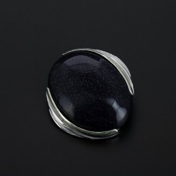 Серебряная брошь (камень авантюрин)