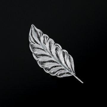 Серебряная брошь Перо