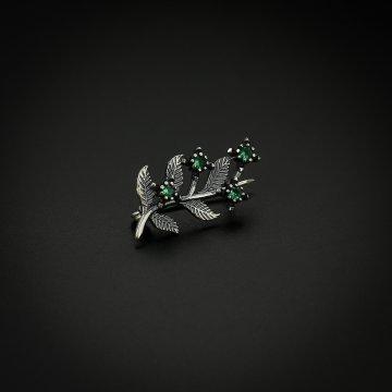 Серебряная брошь Веточка (фианит зелёный)