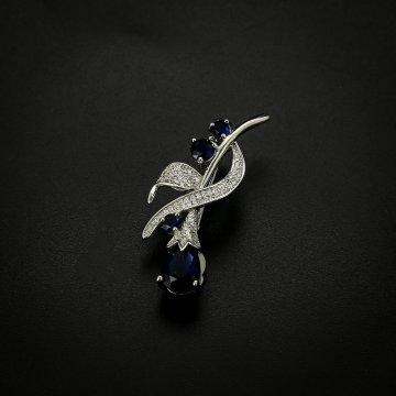 Серебряная брошь (фианит)