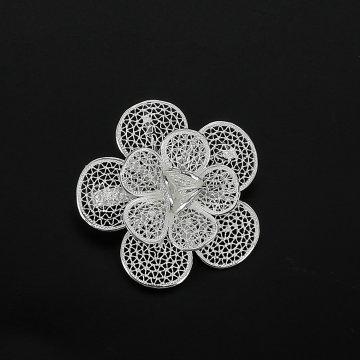 Серебряная брошь Цветок сакуры