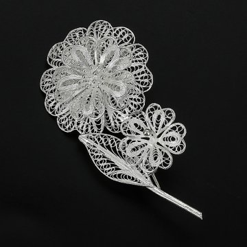 Серебряная брошь Цветы